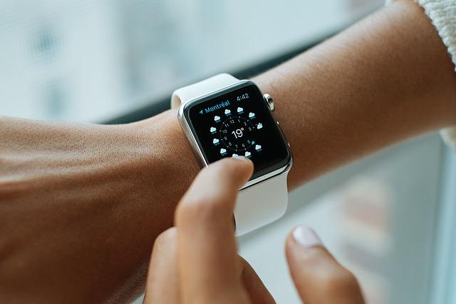 dotykové hodinky